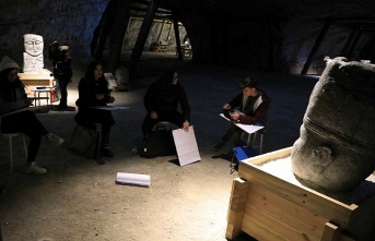 Hababam Sınıfı'ndan etkilenip mağarada ders yaptılar