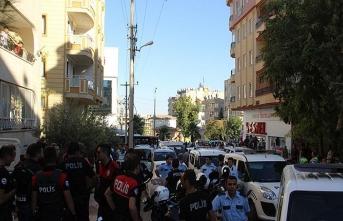 Komşuların kavgası mahalleyi savaş alanına çevirdi: 6 yaralı