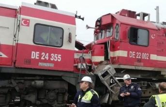 Sivas'ta trenler çarpıştı: Yaralılar var