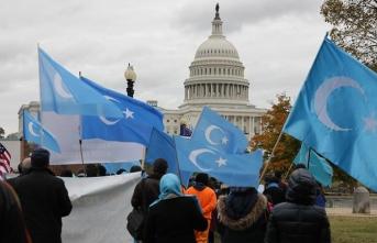 Uygur Türkleri Beyaz Saray'ın önünde