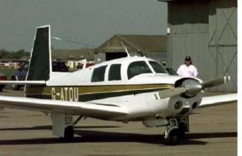 Uyuyakalan pilot, havalimanını 30 mil geçtikten sonra geri döndü