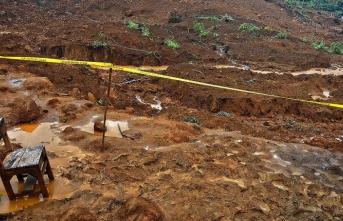 Endonezya'da heyelan: 7 öğrenci öldü, 9 yaralı