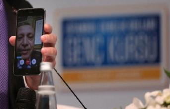 Erdoğan'dan gençlere telefon, Melih Gökçek'e övgü