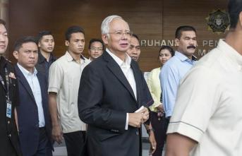 Eski Malezya Başbakanı Necip Rezak gözaltına alındı