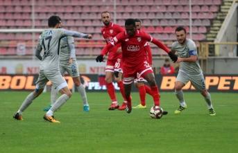 Adana Demirspor, deplasmanda Boluspor'u 3-2 yendi.