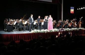 İzmir'de Türkiye-Romanya dostluk konseri