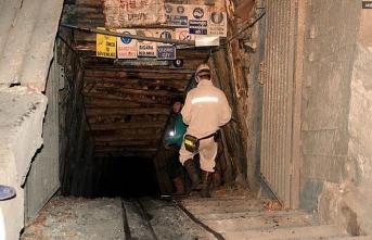 Maden işçilerinin üzerine tavan çöktü