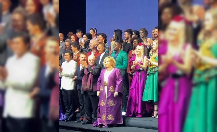 Tayland İpek Festivali'ne Türk tasarımı damga vurdu