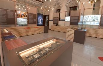 Uygarlık tarihinin en eski sikkeleri Antalya'da sergileniyor