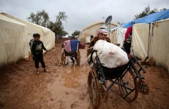 Yağışlar şiddetlendi, 32 bin sivil yardım bekliyor