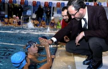 '7'den 70'e herkese yüzme öğreteceğiz'