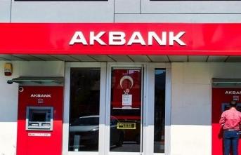 Akbank yılın ilk saatlerinde düşük kurdan dolar sattı