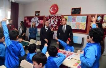 Başkan Sözlü çocukların arasına katıldı