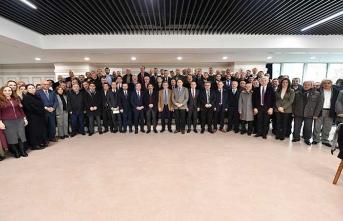 Başkan Türkmen okul müdürleri ile bir arada