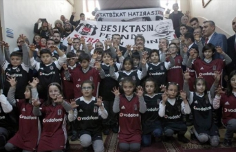Beşiktaş'tan Erzurumlu öğrencilere karne hediyesi