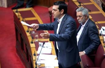Çipras'ı 'bir oy' kurtardı