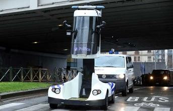 Dikkat çeken polis aracı