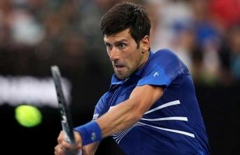 Djokovic adını çeyrek finale yazdırdı