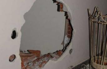 Duvarı delip çaldılar… Tam 4,5 kilo...