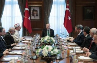 Erdoğan, Diyanet İşleri Başkanı Erbaş'ı kabul etti