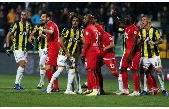 Fenerbahçe transferleri bir an önce bitiremezse...