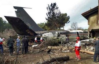 İran'da uçak düştü, ölü sayısı arttı