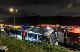 İstanbul'da otobüs devrildi: 1 ölü