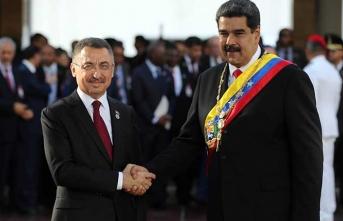 Maduro görür görmez 'Selamünaleyküm' dedi