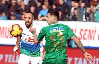 1 kırmızı kart, 4 gol... Cihat Arslan tribüne gönderildi