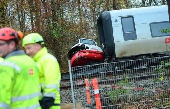 Son Dakika! Danimarka'da tren kazası