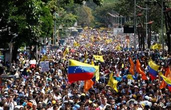 Venezuela'da gösteriler öncesi silahlar kayboldu!