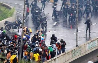 Venezuela'da muhaliflere yeni çağrı! 'Sokaklara inin'
