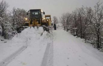 120 köy yolu kapandı… Ekiplerin çalışması sürüyor