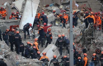 Bakan açıkladı! Kartal'da çöken binada ölü sayısı artıyor