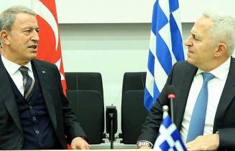 Bakan Hulusi Akar Yunan mevkidaşıyla görüştü