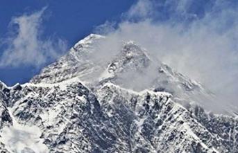 Everest dağı turistlere kapatıldı