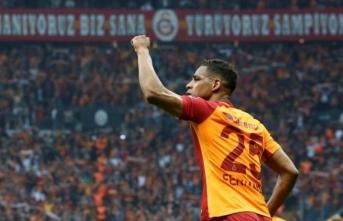 Galatasaray'da transfer gelişmesi: Yıldız futbolcuya iki dev talip!