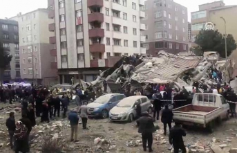 Kartal'da çöken binada 2 kişi öldü, 6 kişi yaralı kurtarıldı