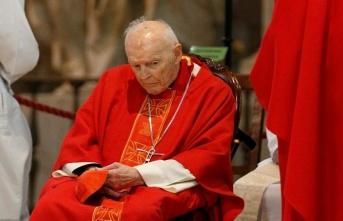 Katolik dünyada bir ilk! O papaz kovuldu