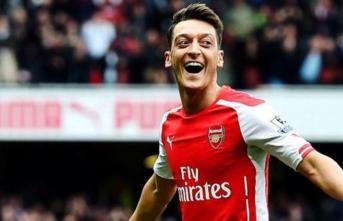 Mesut Özil'e ne oldu? Şaşırtıyor