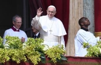 Papa, Maduro'nun teklifini kabul etti
