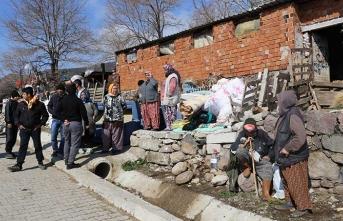 Toprak kayması sonucu bazı evler tahliye edildi