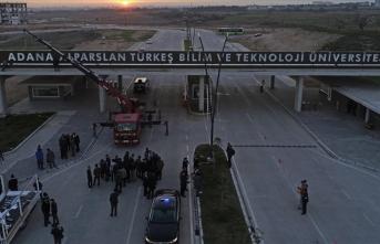 Adana Alparslan Türkeş Bilim ve Teknoloji Üniversitesinin tabelası asıldı