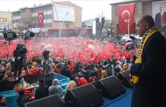 """""""CHP ve onun ruh ikizi HDP'ye rağmen yatırımlarımıza devam edeceğiz"""""""