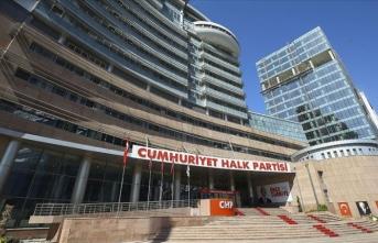 İzmir'in Bayraklı ilçesinde CHP'li 3 belediye meclis üyesi partisinden istifa etti