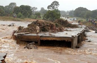 Kasırga ve sel… 15 bin kişinin hayatı tehlikede