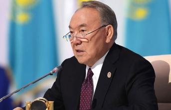 Nazarbayev istifa etti!