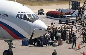 Rusya'dan soğuk savaş hamlesi! Askeri uçak Venezuela'da…