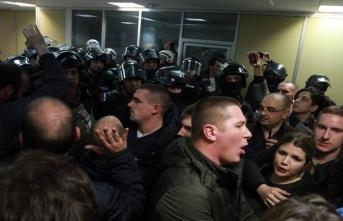 Sırbistan'daki gösterilerde olaylar çıktı!