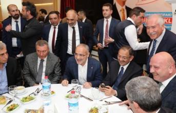 Ülkücülerden Mehmet Özhaseki'ye tam destek